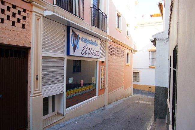Especialistas en proyectos y reformas integrales para locales comerciales en Córdobacon amplia experiencia en el sector.